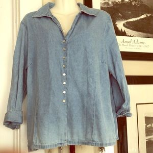 maggie & max Tops - Light blue pearly snap button denim shirt XL